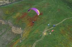 Вид на старт в Башлыкенте . Антон на фоне цветущих маков.
