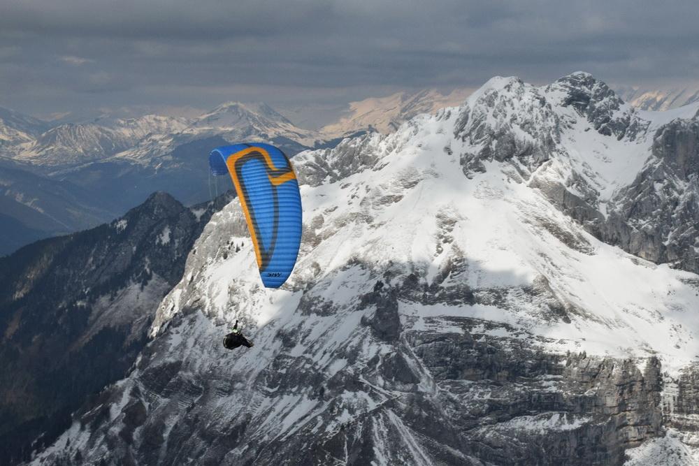 Параплан Sky Apollo над Французскими Альпами